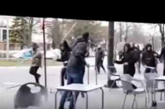 Kibice Barcelony zaatakowani przez zamaskowanych chuliganów