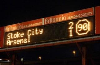 """Takiego """"transferu"""" w Anglii jeszcze nie było. W roli głównej… tablica świetlna"""
