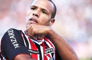 Luis Fabiano nie krył niezadowolenia, ale i zdziwienia. (Zdjęcie: digitalesportes.net)