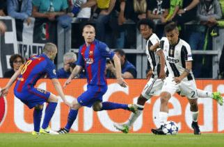 Piłkarze Barcelony biegają coraz mniej