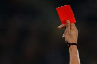 Sędziował mecz swojej drużyny i pokazał dwie czerwone kartki. B klasa w uderzeniu!