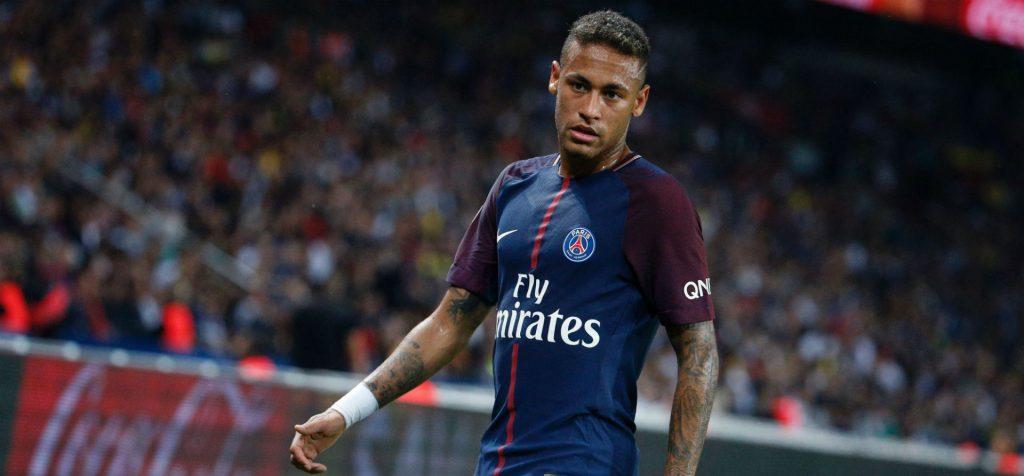 Transfer Neymara odłożony w czasie?