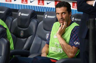 Buffon, Alves i zazdrość pod prysznicem, czyli co w piłce liczy się najbardziej