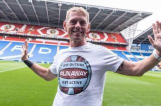 Fan, który… biega na wszystkie mecze. Burnley ma swojego Forresta Gumpa