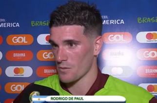 Karygodne zachowanie dziennikarza. Zlekceważył piłkarza kosztem wywiadu z Aguero! [WIDEO]