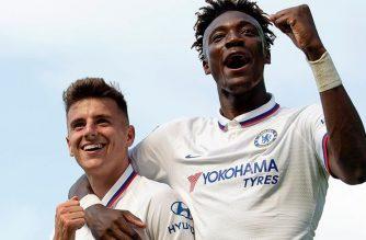 """Samowystarczalna Chelsea? Londyńczycy niedługo sami będą mogli robić sobie """"zakazy transferowe"""""""