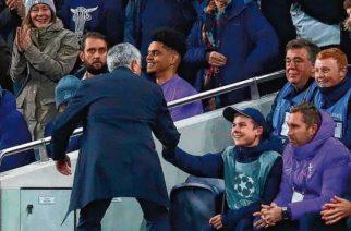 Obowiązki wzięły górę. Chłopiec od piłek nie mógł skorzystać z propozycji Jose Mourinho!