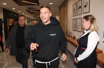 Górnik Zabrze musi jeszcze poczekać. Lukas Podolski ma nową ekipę!