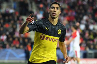 PRAGUE, CZECH REPUBLIC - OCTOBER 02: Achraf Hakimi of Borussia Dortmund celebrates after scoring his sides second goal during the UEFA Champions League group F match between Slavia Praha and Borussia Dortmund at Eden Stadium on October 02, 2019 in Prague, Czech Republic. (Photo by Sebastian Widmann/Getty Images)