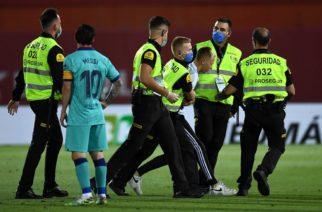 Kibic, który wtargnął na boisko w meczu Mallorca-Barcelona wyjawił powód