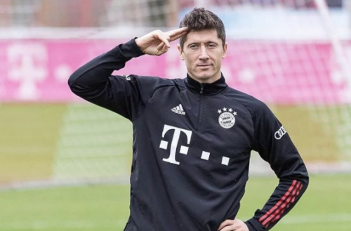 Robert Lewandowski ponownie wyróżniony. Został wybrany piłkarzem roku w Niemczech!