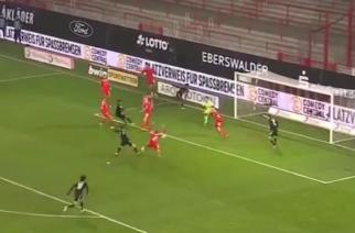 Robert Lewandowski strzelił 13. gola w trwającym sezonie Bundesligi! [WIDEO]