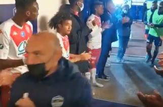 Piękny gest piłkarzy Monaco. W wyjątkowy sposób podziękowali rywalowi! [WIDEO]