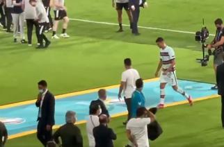 Wściekły Cristiano Ronaldo rzucił i kopnął opaskę! [WIDEO]