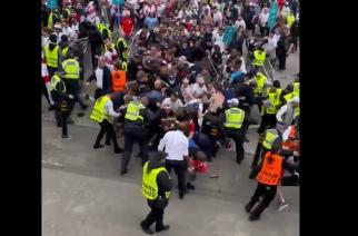 Chaos w Londynie. Kibice próbowali wtargnąć na Wembley! [WIDEO]
