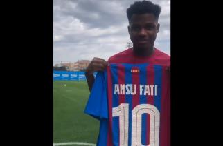 Ansu Fati przejął numer 10 po Leo Messim! [WIDEO]