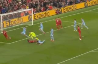 Fenomenalna druga połowa na Anfield. Genialny gol Salaha i Rodri z kluczową interwencją meczu! [WIDEO]